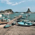 italia-sicilia-acitrezza-giorno